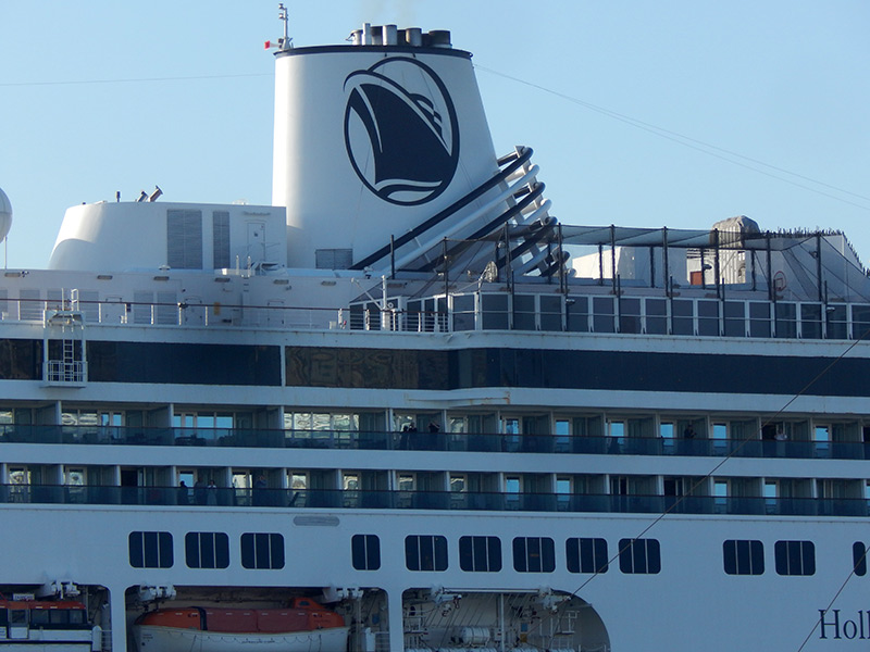 Holland America Line pauses its global cruise operations for 30 additional days