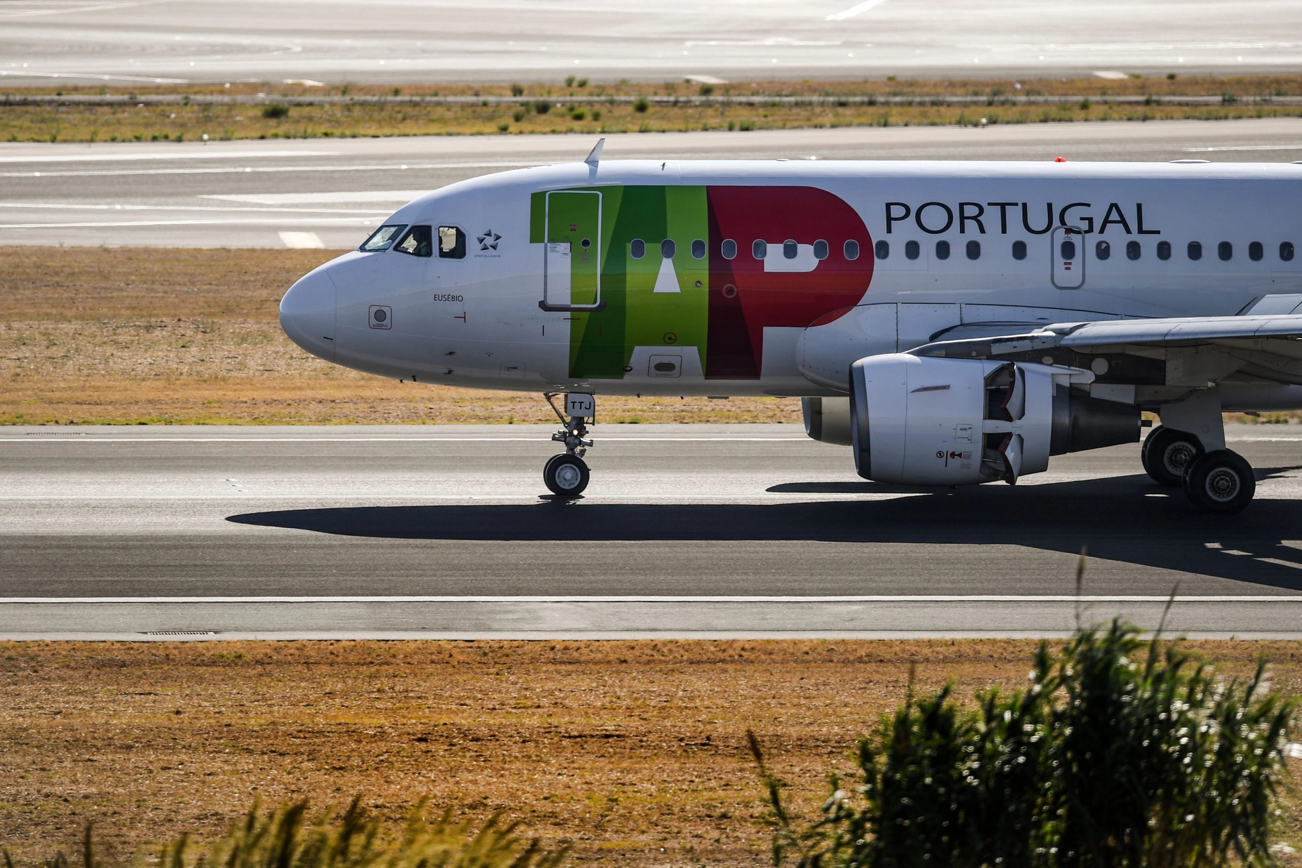 Portugal suspends all rail and air traffic to and from Spain