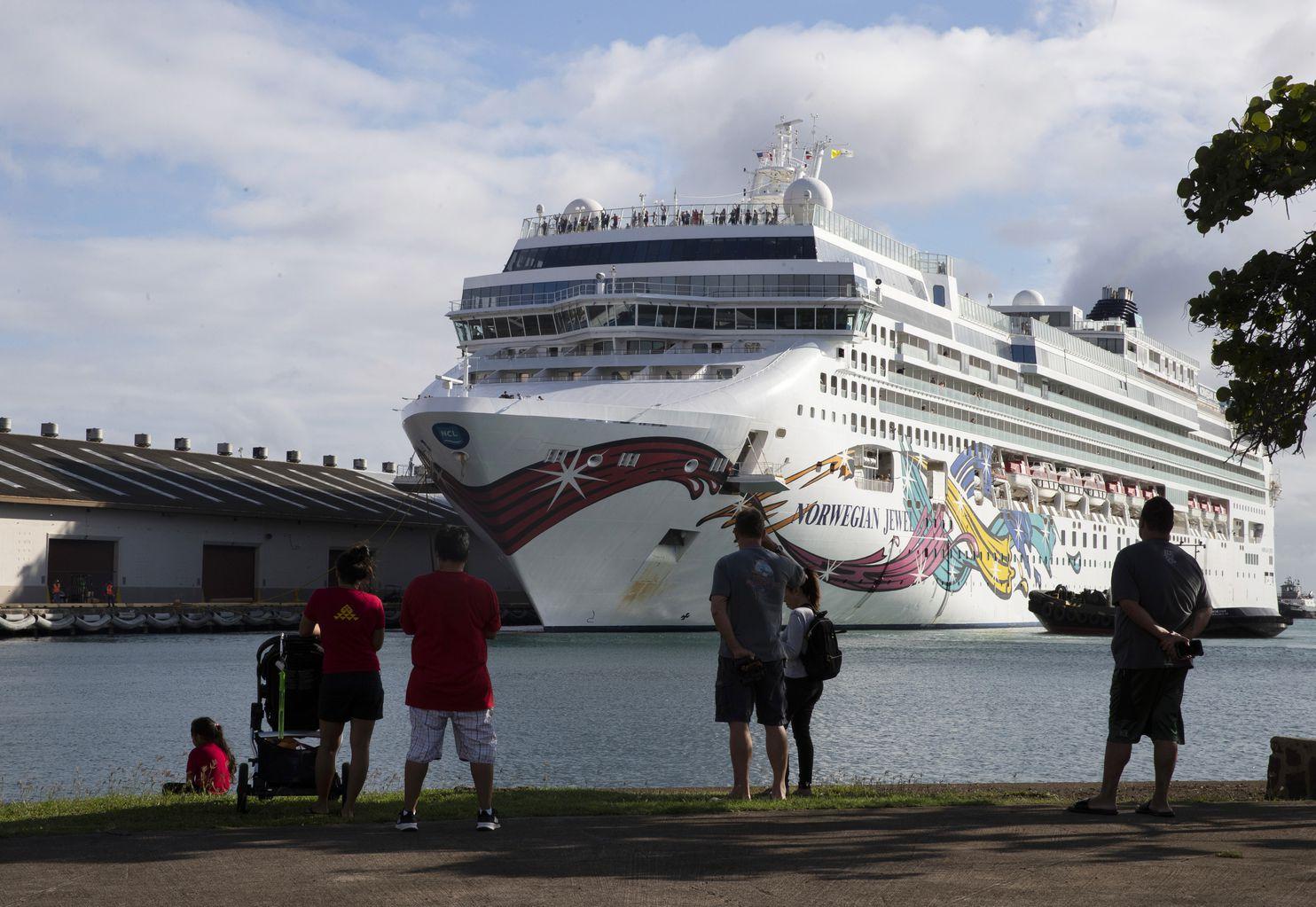 Norwegian Jewel cruise passengers allowed to disembark in Hawaii to travel home