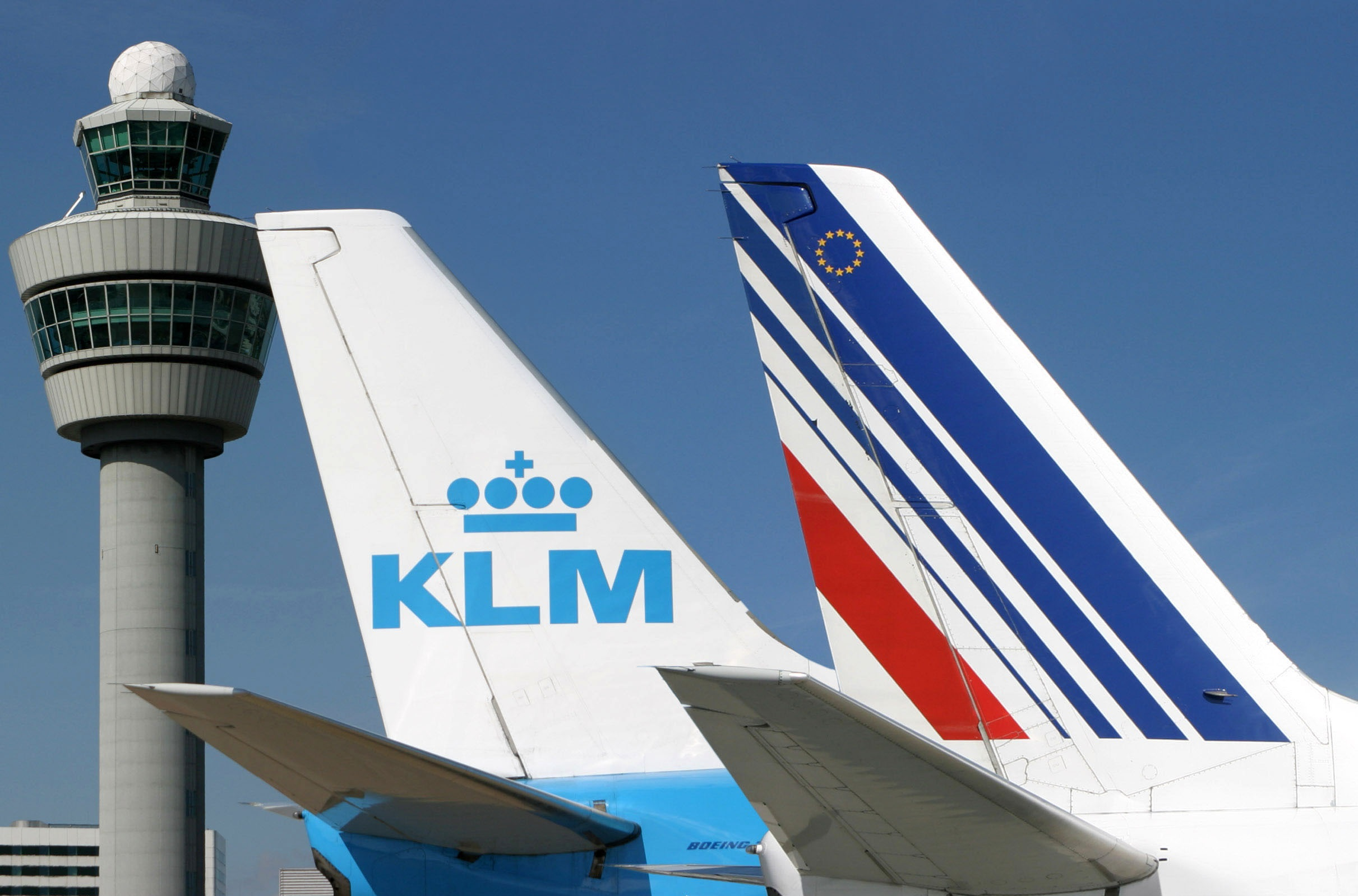 France and Netherlands pledge €11 billion in 'emergency aid' to Air France-KLM