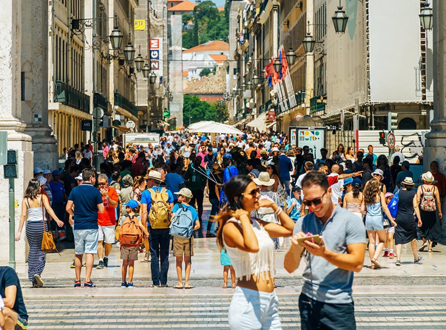 Portugal needs British tourists soon to accelerate economic recovery