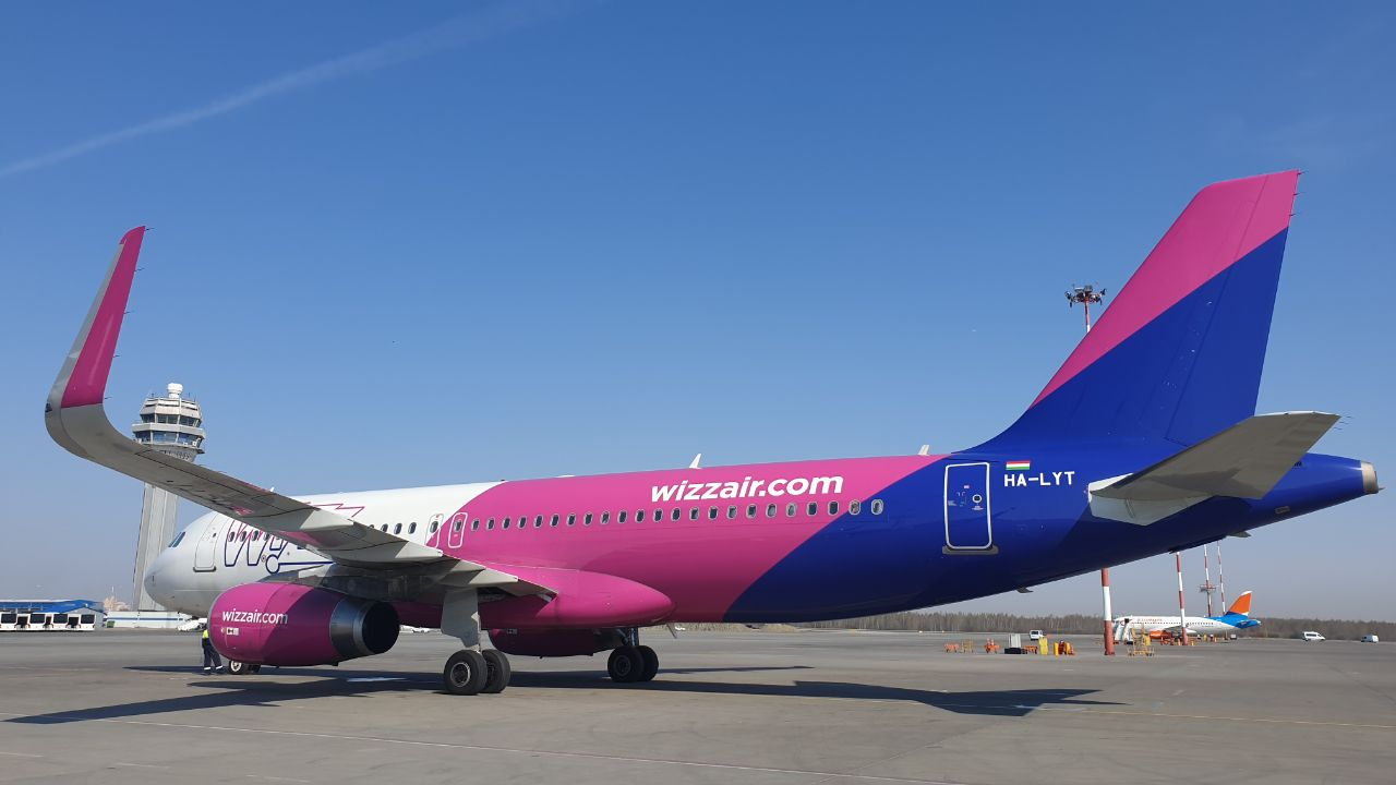 Wizz Air re-launches air service between Russia's St. Petersburg and London
