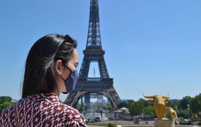 Paris tourists must wear face masks now