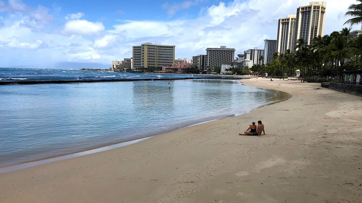 Hawaii Tourism: Visitor arrivals plunged 97.6 percent in August