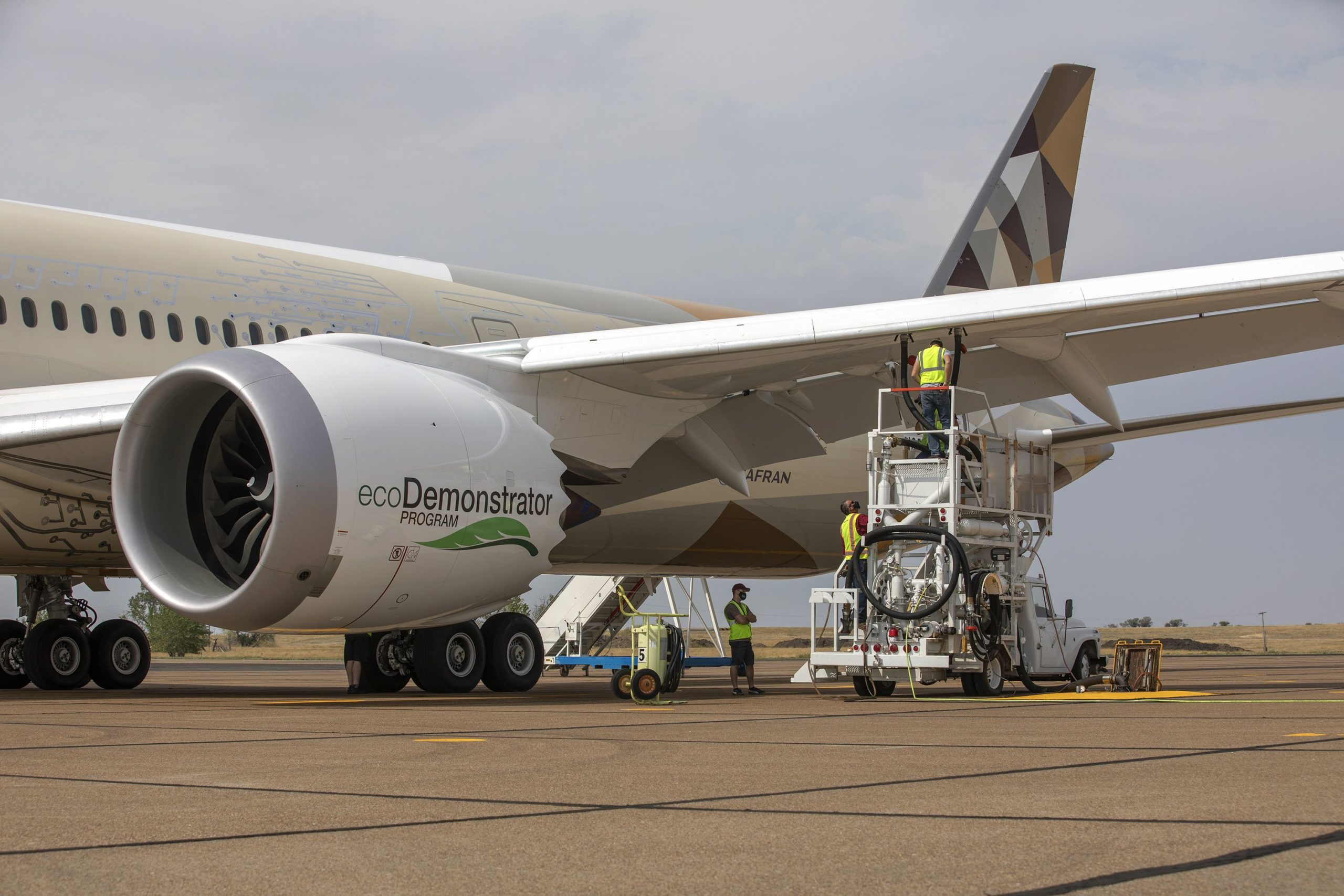 Boeing and Etihad Airways lift sustainable aviation fuel to next level