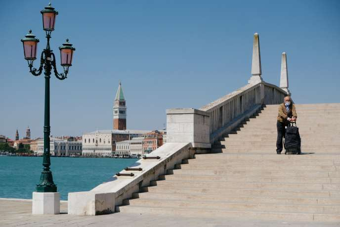 Southern Europe most vulnerable in COVID-19-related foreign tourism decline