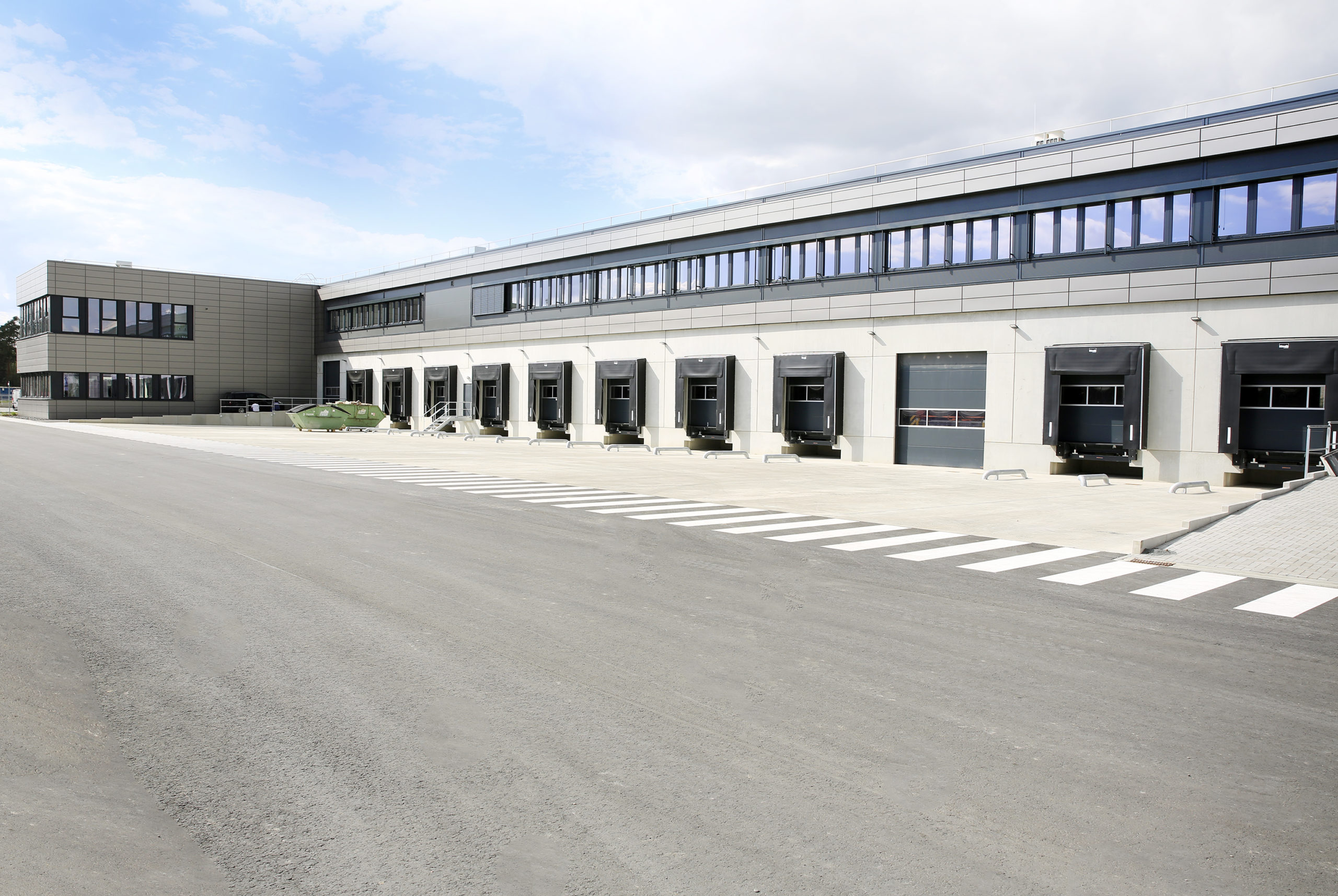 FRAPORTHands Over New Air Cargo Warehouse to Swissport