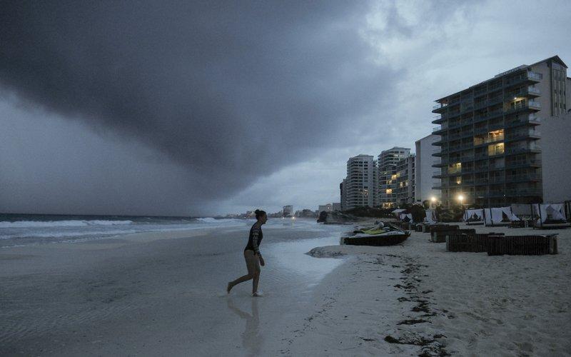 Mexican Caribbean resumes tourist activities after Hurricane Zeta
