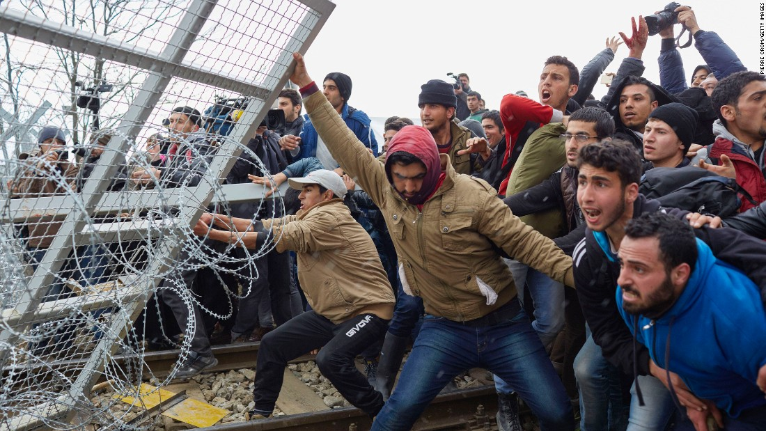 Greece to build wall on Turkish border to stave off migrant invasion