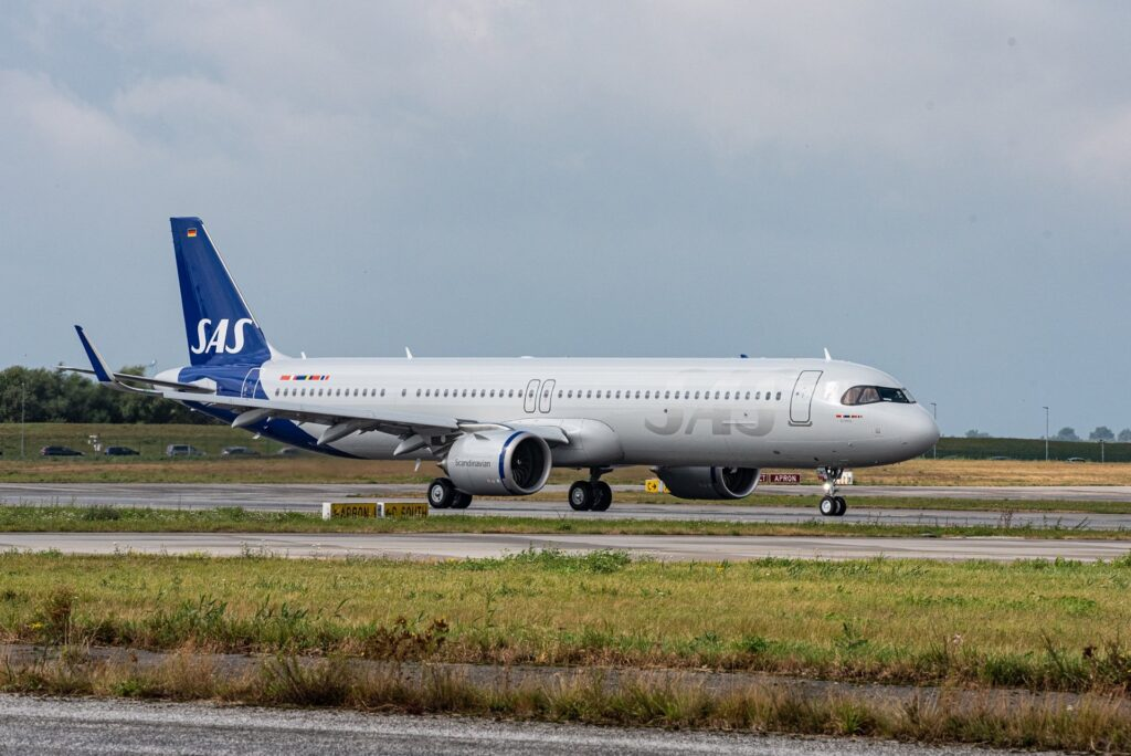 SAS takes delivery of its first sustainable fuel Airbus A321LR jet