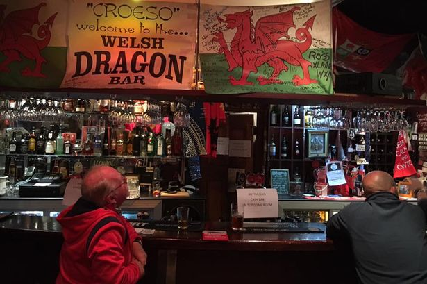 Welsh hospitality faces alcohol ban and 6pm curfew